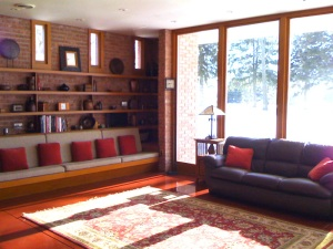 The Muirhead Farmhouse, a Frank Lloyd Wright-designed B&B in the 'burbs, is a feast for the architecture lover to behold.